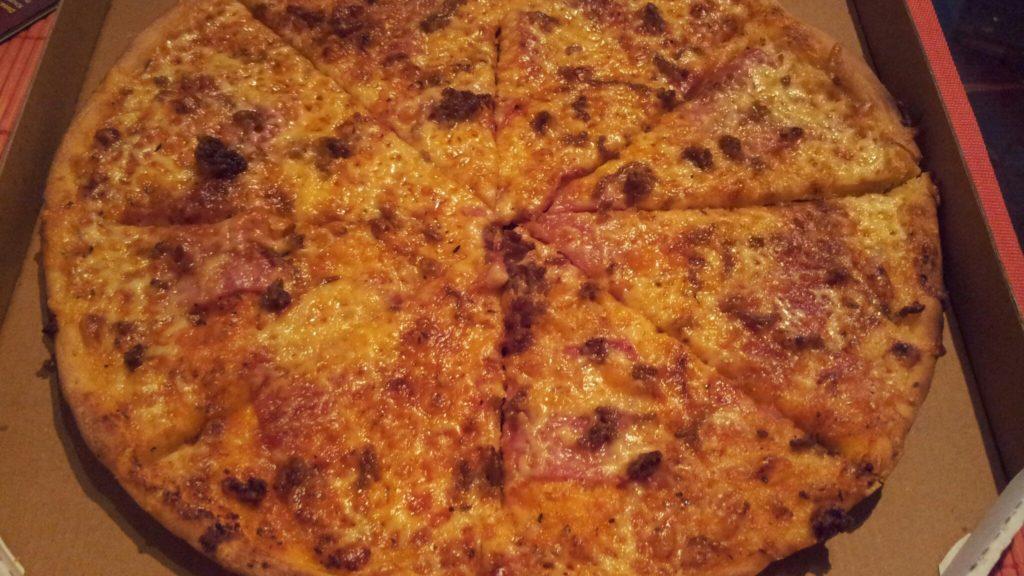Bild von der Pizza vom Moon Pizza & China Service
