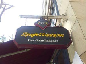 Bild vom Schild des Spaghettisssimo in der Tübinger Strasse Stuttgart