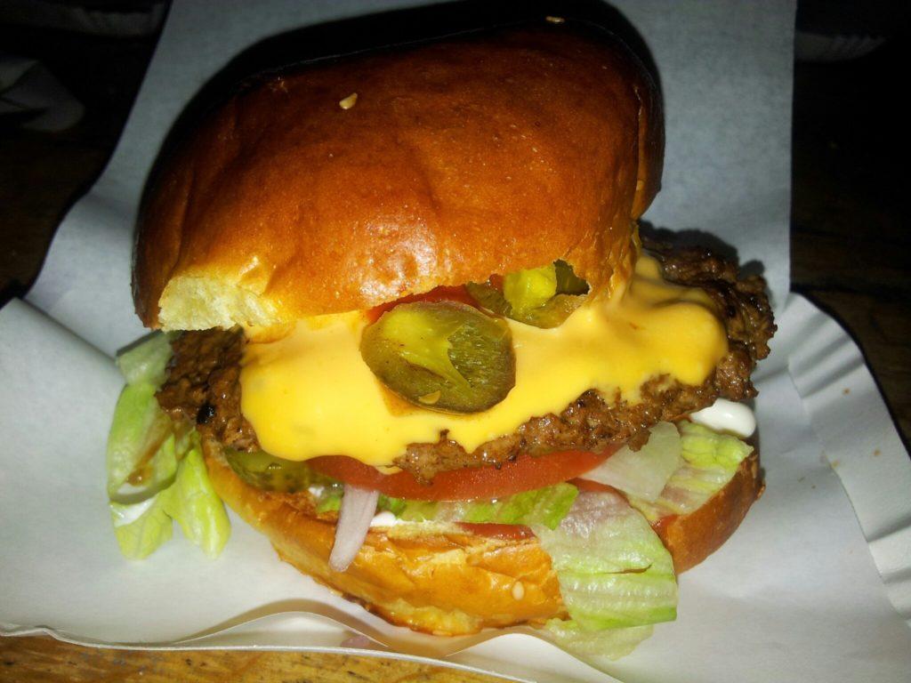 Bild vom Chili-Cheeseburger beim Burgermeister