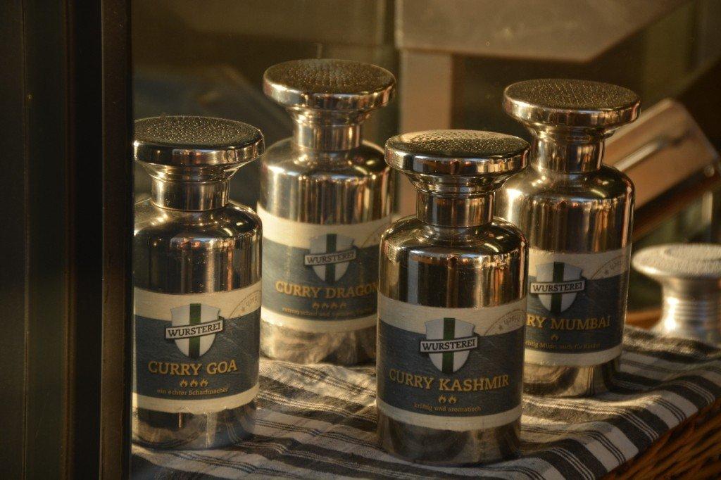 Vier Currysorten stehen zur Auswahl bei der Wurstei Berlin