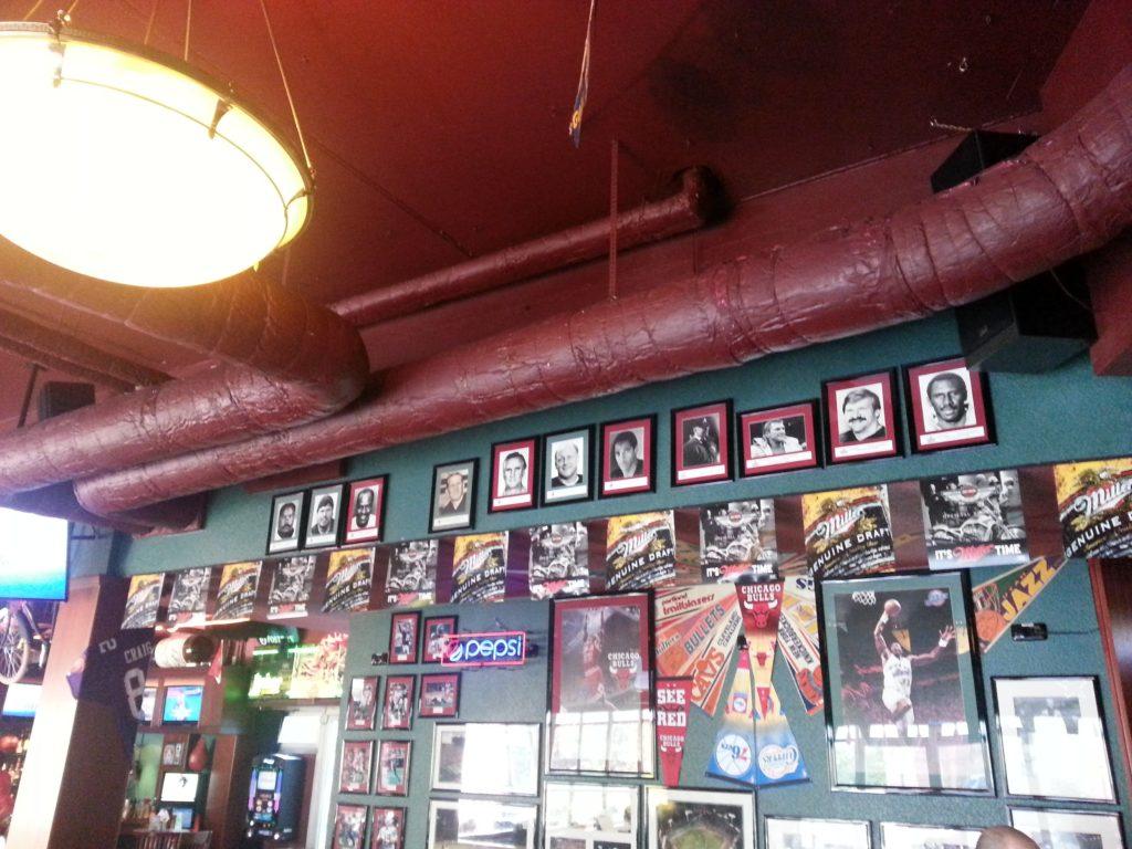 Yours Sports Bar innen