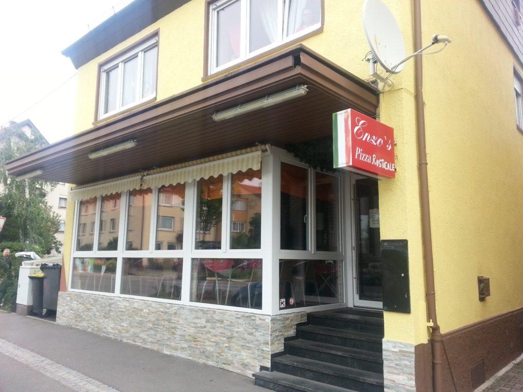 Enzo's Pizza Rusticale von außen