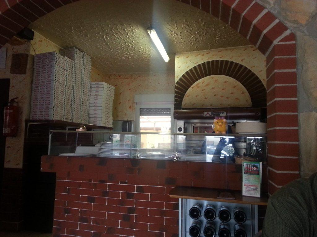Pizzaofen in Enzo's Pizza Rusticale in FEllbach