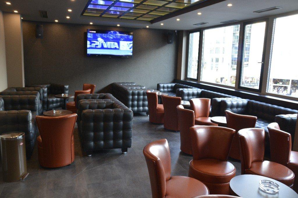 Sportsbar Teil der Gigi Burger Bar - Raucherzimmer