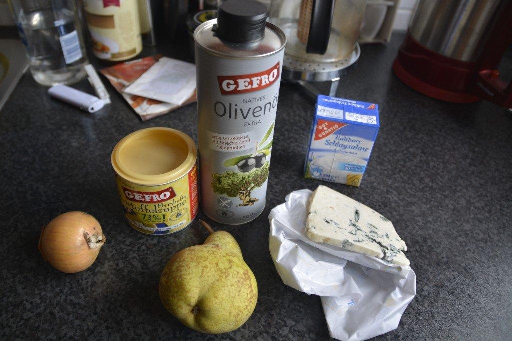 Vorbereitung für die Kartoffelsuppe
