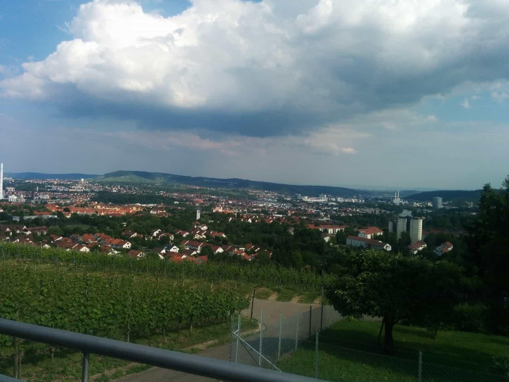 Ausblick im Aussichtsreich Stuttgart Richtung Esslingen und Fellbach