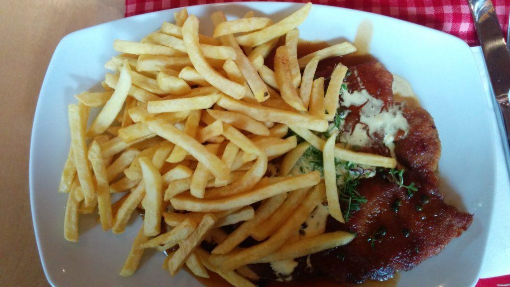 Pfeffer-Rahm-Schnitzel in der Steig-Alm Bad Marienberg (12,00 EUR)