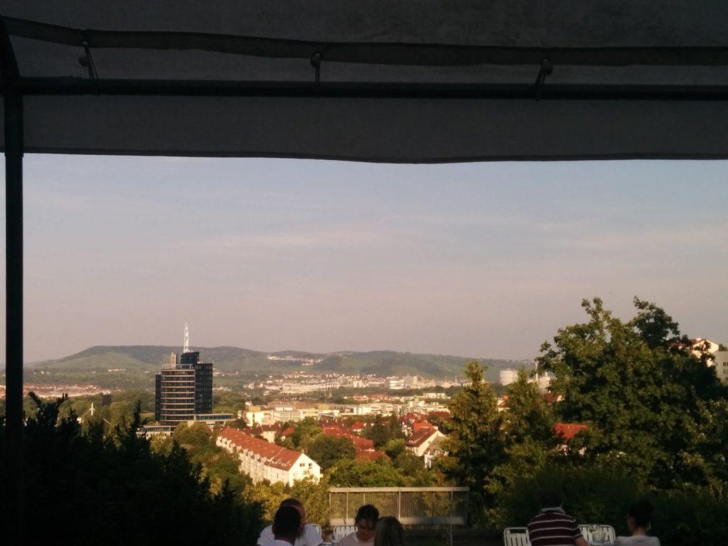 Ausblick Richtung Uhlberg im Biergarten on Top Stuttgart