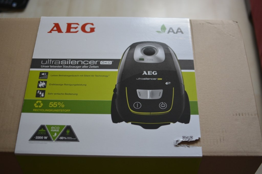 Produktverpackung des AEG Ultra Silencer Staubsauger