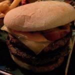 Käse & Speck Burger mit doppelt Fleisch im Hans im Glück im Europaviertel Stuttgart