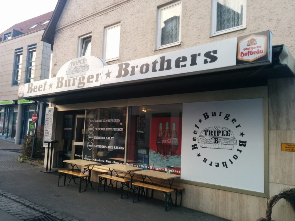 burger stuttgart triple b beef burger brothers hubert testet. Black Bedroom Furniture Sets. Home Design Ideas