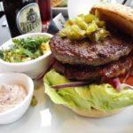 Mein Rodeo Burger mit Bacon, 2. Patty, Cheddarkäse im Flo Steak & Burger Stuttgart