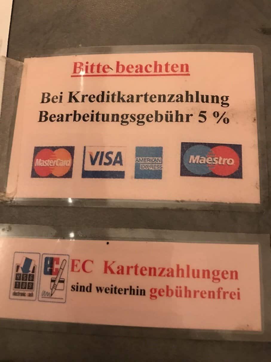 Gebühren für das Bezahlen mit Kreditkarte im Restaurant Apostel - seriously?