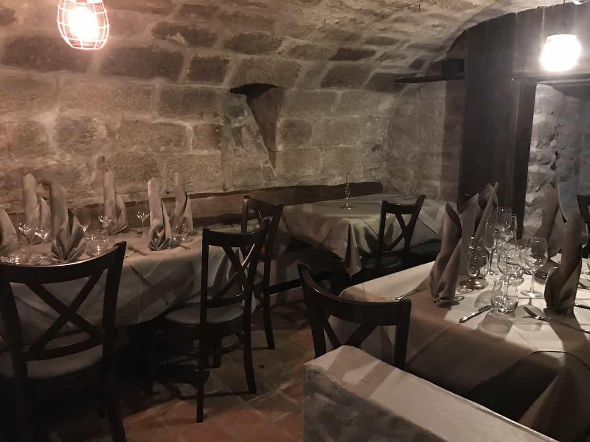 Der hintere Teil des Gewölbekeller im Restaurant Hofer in Gerlingen