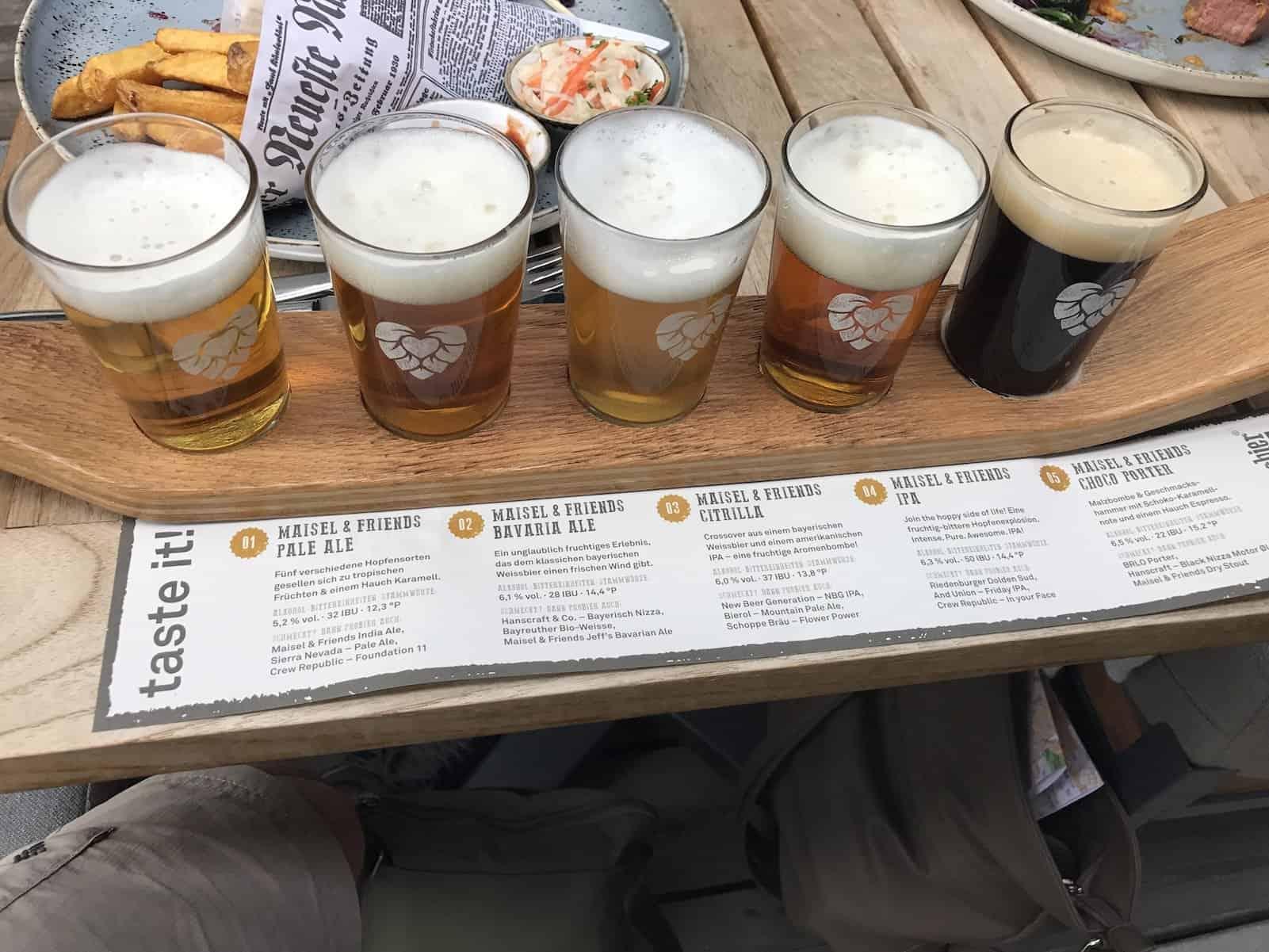tasting board mit Craftbeers von Maisel & Friends im Liebesbier