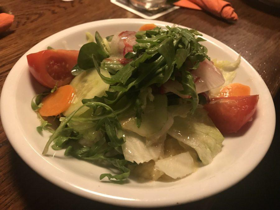 Beilagensalat zum Schnitzel in der Weinstube Klösterle