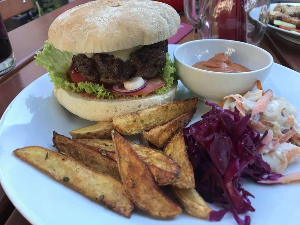 Mephistos Burger im Mephisto Magdeburg