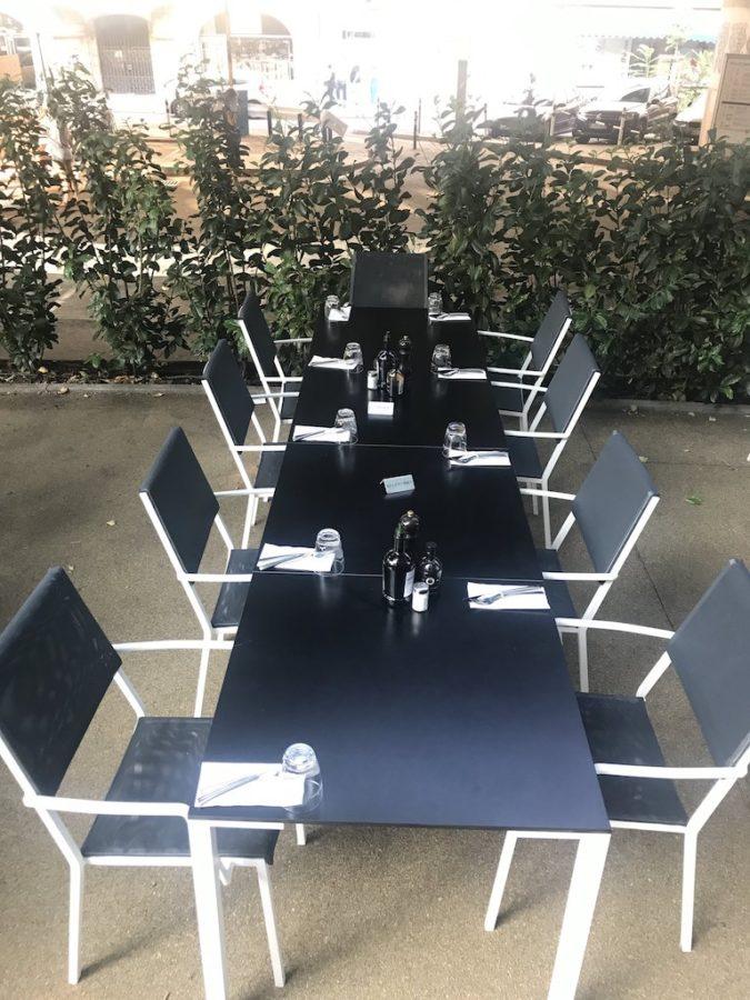 Tische draussen im Perbacco Stuttgart