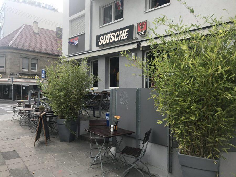 """Der kleine """"Draussen-Bereich"""" am Sutsche Stuttgart"""