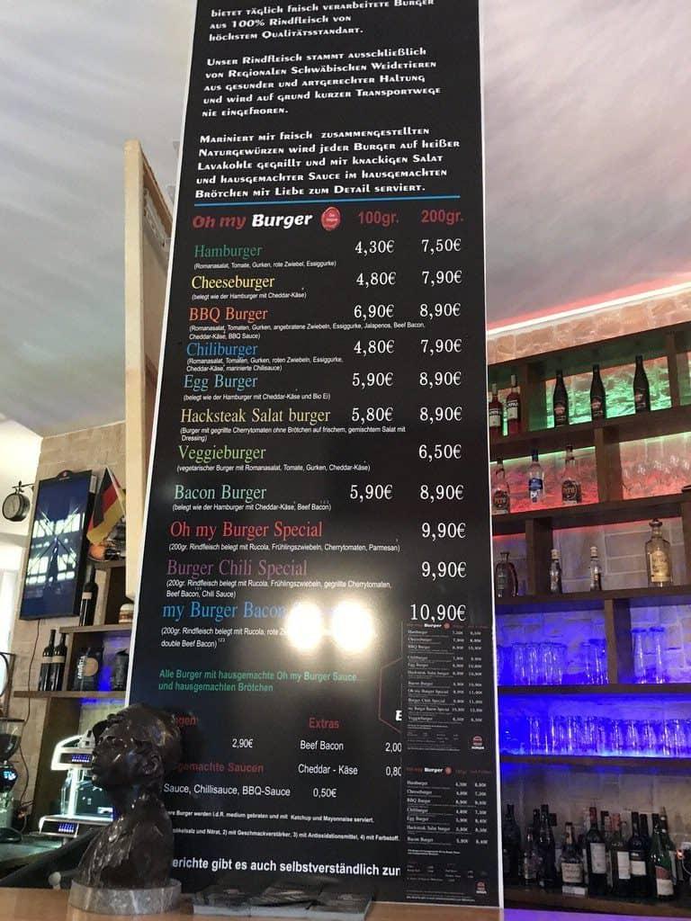 Große Burgerkarte im Oh my Burger in Stuttgart an der Bar