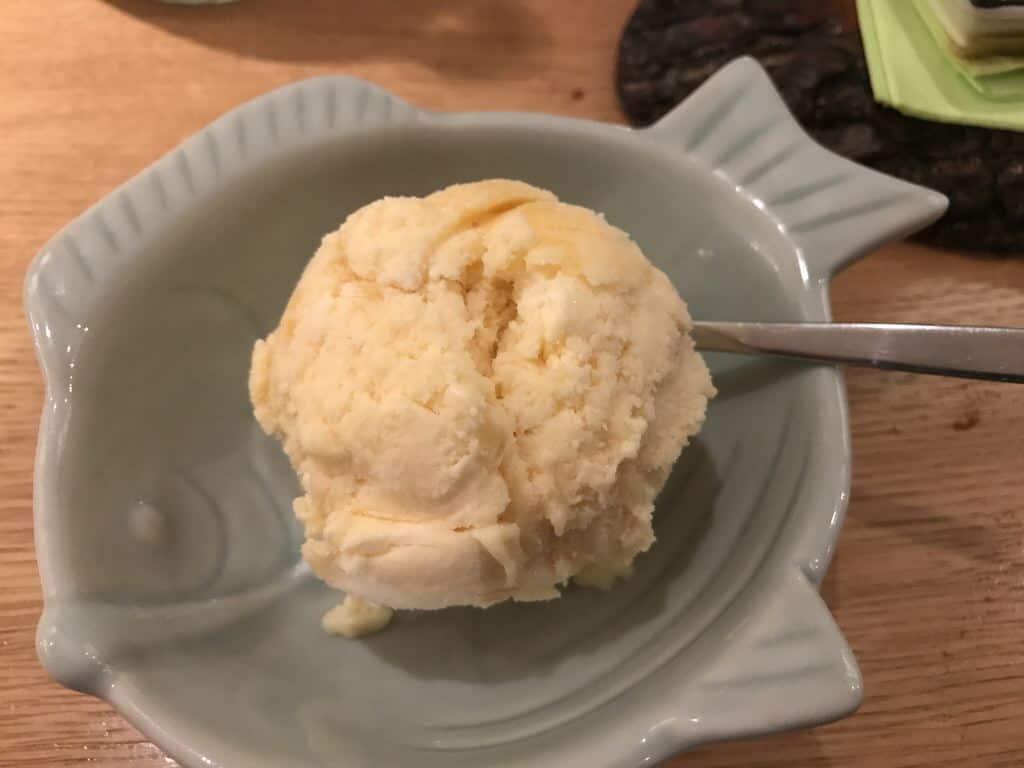 Ingwer-Eis (2,50 EUR) im japanischen Restaurant Shima in Stuttgart