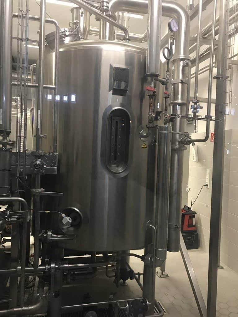 Versuchsbrauerei mit kleinerem Kessel bei Stone Brewing World Berlin