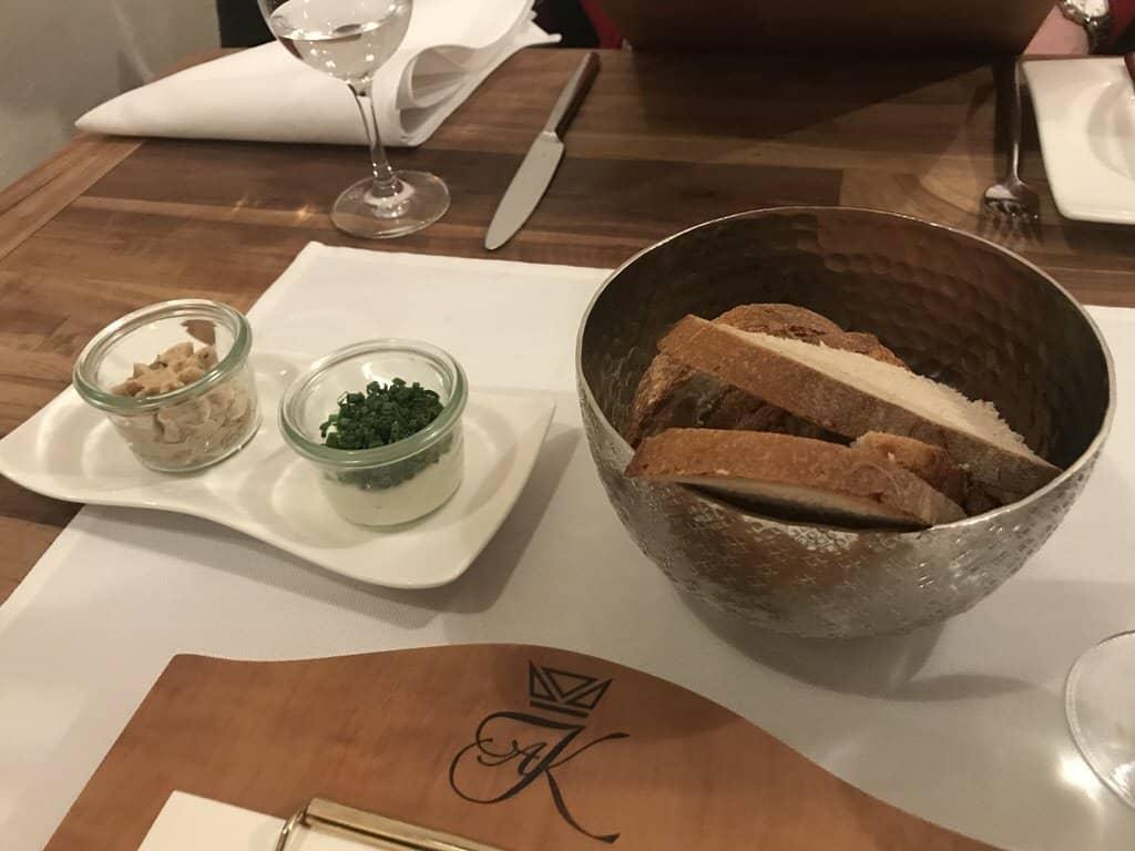 """Etwas Brot mit Griebenschmalz und Quark vorneweg im """"Zum Hirschen"""" in Fellbach"""