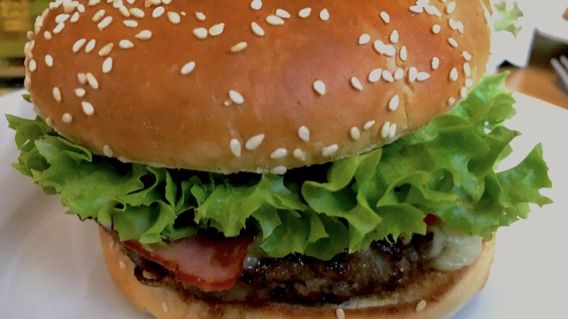 Cheeseburger im Stable Irish Pub Konstanz
