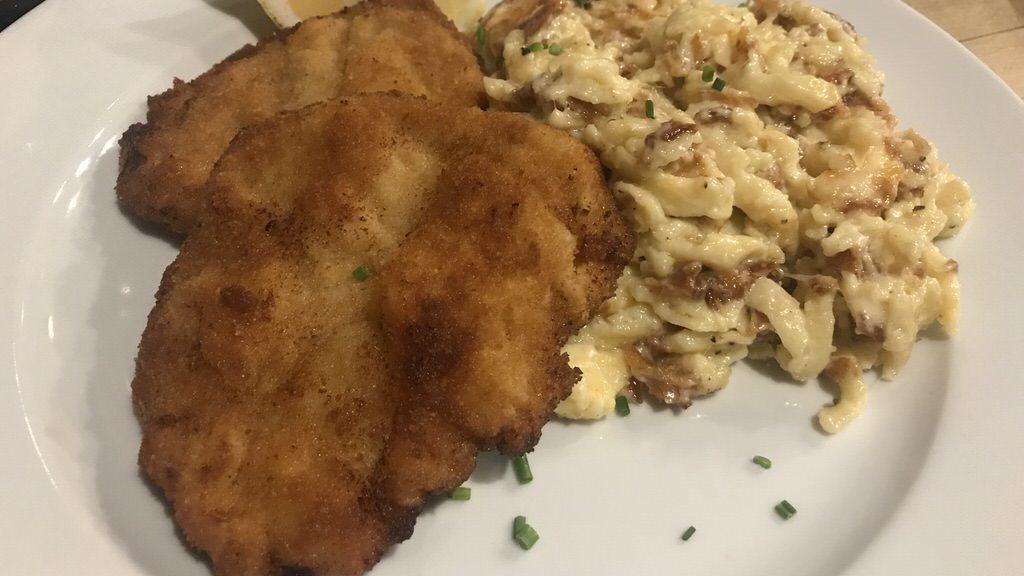Schnitzel mit Kässpätzle im Das Lehen :)