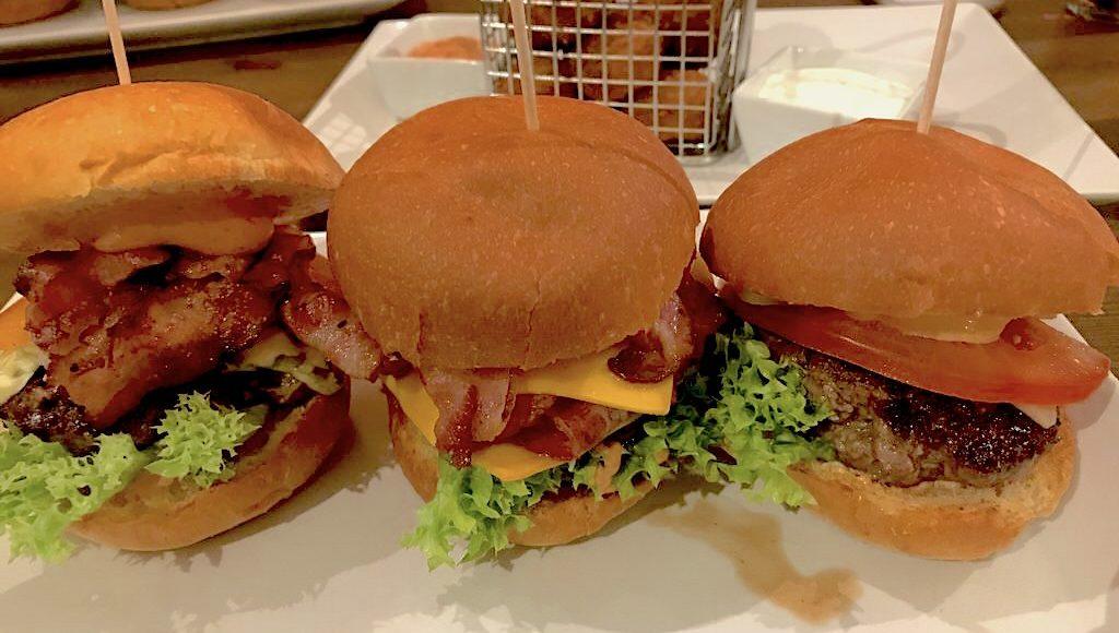 Dreierlei Miniburger mit je einem 70 g Patty im Burger House Stuttgart West