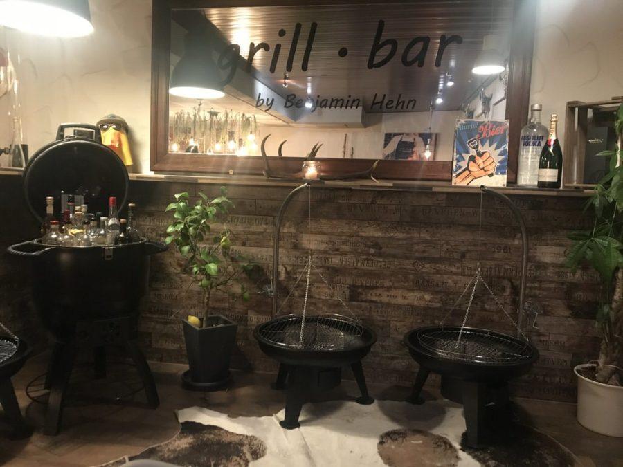 Ein Blick in die Grill.bar by Benjamin Hehn in Schornbach - in die Ecke mit dem Schnaps ;)