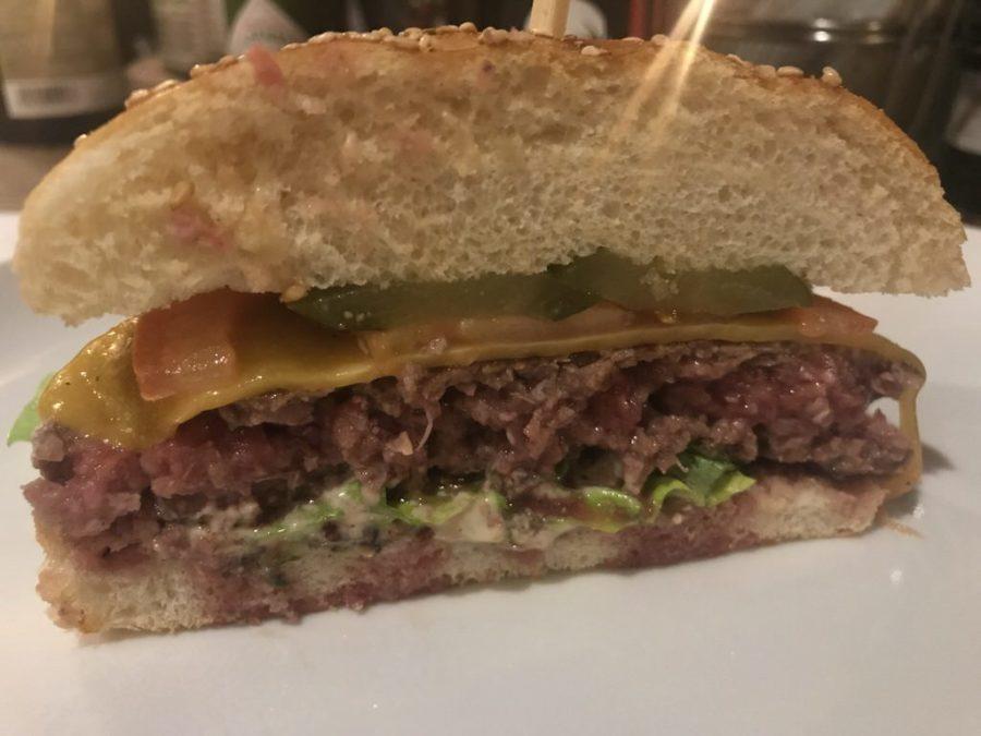"""""""Classic Cheeseburger"""" von innen"""