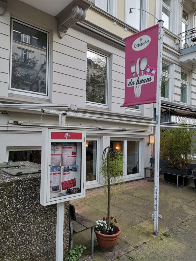"""Das österreichische Restaurant """"Da Hoam"""" von außen"""