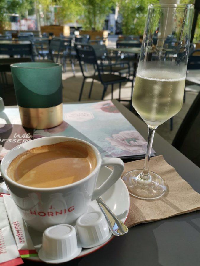Cafe Crema von der Rösterei J. Hornig aus Graz und Sekt aus der Schlosskellerei Affaltrach
