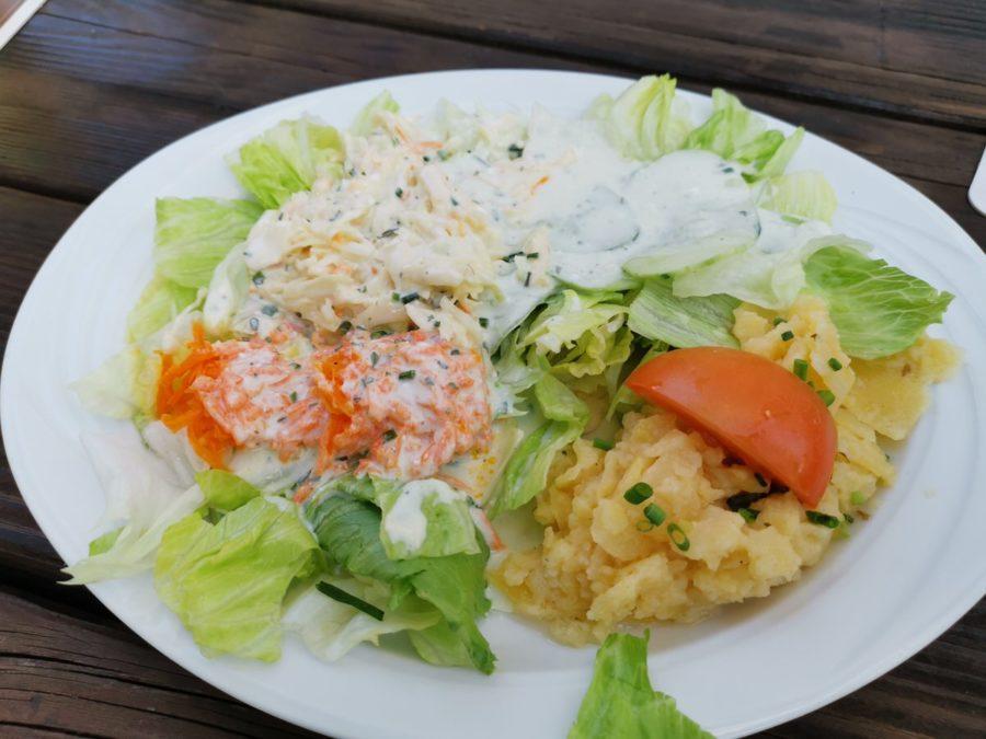 Salatteller statt anderer Beilagen in der Gaststätte Post Zuffenhausen