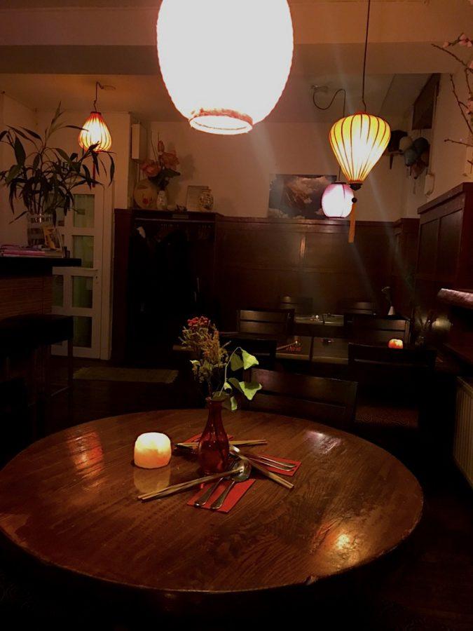 Ein runder Tisch im Ha Long Stuttgart