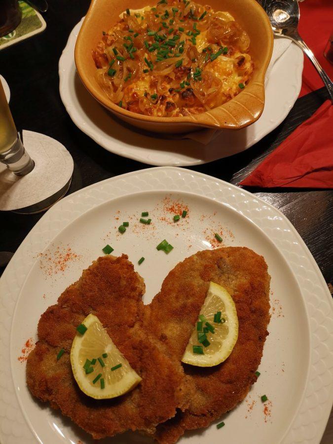 Schnitzel mit Kässpätzle.... in der Weinstube Viertelesschlotzer