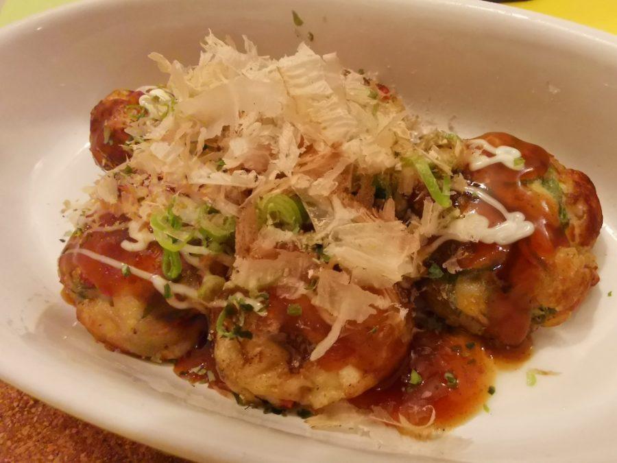 Japanische Knödel mit Oktopus (Takoyaki, 7,90 EUR)